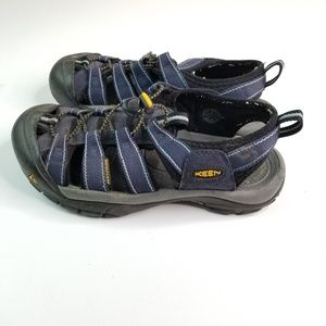 Keen Newport  Waterproof Sandals sz 8